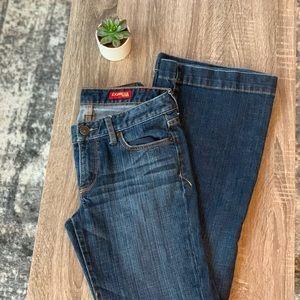 [ E X P R E S S ] Eva Jeans